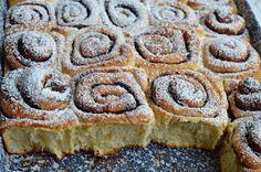 Tepsis, foszlós kakaós csiga bögrésen | Rupáner-konyha Muffins, Baking And Pastry, Sweet And Salty, High Tea, Food To Make, Banana Bread, Deserts, Dessert Recipes, Food And Drink