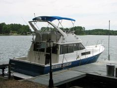 1989 Bayliner 388 Motoryacht -Interior has one double and one queen bed. Two restroom with custom fixtures and working plumbing. Custom leather seating area; kitchen area with stove/oven, sink, microwave; fresh carpet, curtains, bedding; - See more at: http://www.caboats.com/used-boats/8578.htm