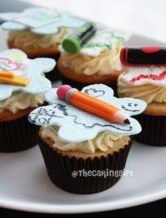 Cupcakes for school  #backtoschool #school #cupcakes #fondant #schoolsupplies #supplies #teacher #student