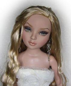 Anastasia OOAK 16 Tonner Tyler Ellowyne Wilde Doll Repaint by Yu