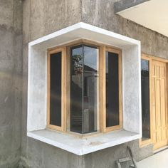 House Window Design, Small Spaces, Woodworking, Windows, Mirror, Architecture, Furniture, Arches, Instagram
