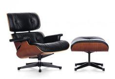 FAUTEUIL LOUNGE CHAIR & OTTOMAN NOIR  Depuis 1956, le Lounge Chair conjugue un confort extrême à une qualité du plus haut niveau tant dans les matériaux que dans la fabrication. Charles et Ray Eames se sont inspirés du traditionnel fauteuil club anglais.   Designer :CHARLES & RAY EAMES Marque :VITRA Couleur :NOIR Dimensions : LOUNGE CHAIR L 84cm H 84cm P 85-91cm OTTOMAN L 63cm H 42cm P 56cm  #Jbonet #design #Vitra