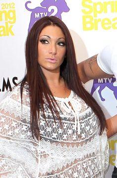 Deena Cortese rocks a sleek style