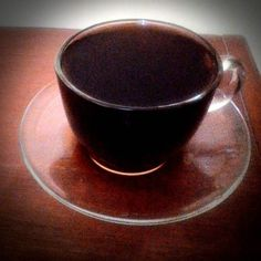 Menjelang malam ditemani dengan kopi hitam sehitam malam yang kelam... sekelam masa lalu #kopihitam #kopiindonesia  #pourover  #v60 #nyeduhkopi #manualbrew #ngopi #komunitaskopi #coffee #coffeetime #coffeeshop #kopilokal http://ift.tt/20b7rle