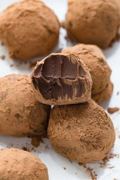 Chocolate Truffles are just as good as regular truffles!Vegan Chocolate Truffles are just as good as regular truffles! Vegan Chocolate Truffles, Vegan Truffles, Chocolate Chip Cake, Homemade Chocolate, Chocolate Recipes, Chocolate Chocolate, Chocolate Brownies, Chocolate Covered, Dairy Free Truffles