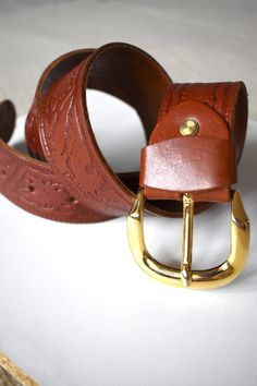 hipster jeans belt Made in Italy Vintage 90s brown leather belt with a gold metal buckle thick real leather belt 32 inch  81 cm