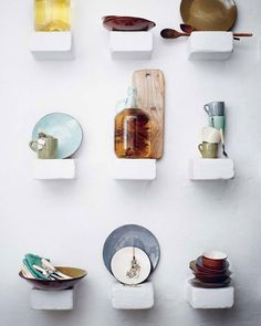 Feature shelves via thebeatthatmyheartskipped.co.uk