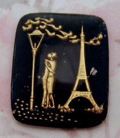 vintage glass reverse painted intaglio lovers in Paris cabochon 27x22mm - f2578... ...hand painted in gold and black in Western Germany