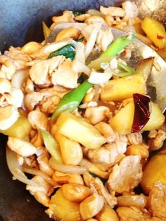 Try this chicken and cashews recipe and you will love it. Quick and easy to make. Cashew Recipes, Thai Recipes, Chicken And Cashew Nuts, Daily Meals, Pasta Salad, Eat, Cooking, Book, Koken