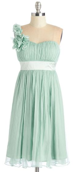 Mint one shoulder style // bridesmaid dress