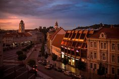 Long Weekend Break in Vilnius Vilnius is full of surprises, which will make your weekend unforgettable. Dive into city's life: see the main attractions in UNESCO listed Vilnius Old Town, get mesmerized by visit to the artist district Uzupis, beautiful Zverynas district with unique wooden architecture, visit one of the most beautiful churches in the world - St.Peter's and Paul's church. Drive 25 km away from Vilnius to spectacular Trakai insular castle and stunning Kernave 5 mo...