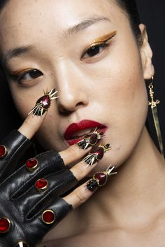The 20 coolest nail trends, nail art and manicure ideas from the spring 2019 runways in New York, London, Milan, and Paris. Crazy Nails, Fun Nails, Nail Trends, Makeup Trends, Disney Nail Designs, Disney Nails, Nail Manicure, Nails Inspiration, Fashion Pictures