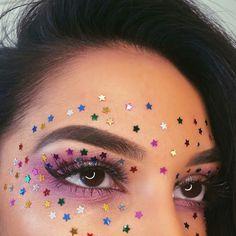 Euphoria Makeup Looks Makeup Goals, Makeup Inspo, Makeup Art, Makeup Inspiration, Makeup Blog, Painting Inspiration, Makeup Carnaval, Festival Makeup Glitter, Rave Makeup