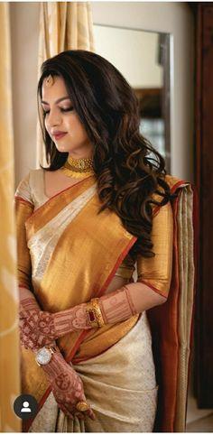 Bridal Sarees South Indian, Bridal Silk Saree, Indian Bridal Outfits, Indian Bridal Fashion, Wedding Saree Blouse Designs, Saree Jewellery, Wedding Saree Collection, Saree Trends, Stylish Sarees