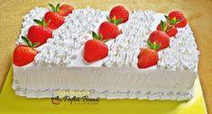 Prajitura cu capsuni si mascarpone Cheese, Cream, Cake, Desserts, Food, Mascarpone, Creme Caramel, Tailgate Desserts, Deserts