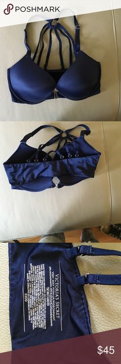 Victoria's Secret very sexy push-up Front clasping bra with sexy back straps. Only worn a handful of times! Don't hesitate to ask any questions or submit an offer🤓 Victoria's Secret Intimates & Sleepwear Bras