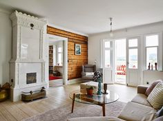 Have a look at this Scandinavian Dream House! Beautiful area, views and Scandinavian interior. Would this be your Scandinavian Dream House? Decor Scandinavian, Carpet Sale, Cottage Design, Nature Decor, Living Room Interior, Interior Design Inspiration, Restaurant Design, Decoration, Living Spaces