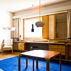 Interior da Maison Louis Carré  projetada por Alvar Aalto. Em Bazoches-sur-Guyonnes, a 40 km de Paris. 1959.   Fotografia: Samuel Ludwig.