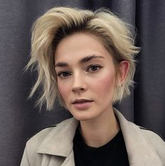 Short Shag Haircut for Oval Faces The Effective Pictures We Offer You About short haircuts with laye Short Hair Cuts, Short Hair Styles, Oval Face Short Hair, Oval Face Hairstyles Short, Oval Face Pixie Cut, Haircuts For Oval Faces, Medium Hairstyle, Hairstyle Men, Funky Hairstyles