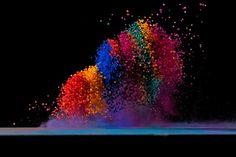 Dancing Colors – Fubiz™