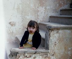 uno scorcio di Salento con una bambina piccina piccina... 1980: ma non lo diciamo! (sssh!)