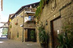 Calle del Redín, principal acceso al Rincón del Caballo Blanco desde el casco histórico de Pamplona