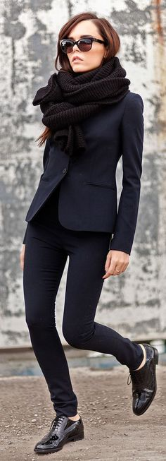 Black knit scarf, black blazer, black skinny trousers, black patent oxfords.