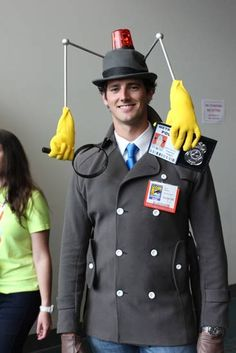 41 Awesome DIY Halloween Costume Ideas for Guys - This Inspector Gadget costume is amazing. This Inspector Gadget costume is amazing. This Inspector - Creative Costumes, Cute Costumes, Carnival Costumes, Cool Halloween Costumes, Halloween Diy, Diy Halloween Decorations, Amazing Halloween Costumes, Zombie Costumes, Halloween Costumes For Guys