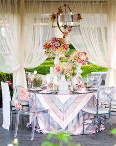 Photography: Sam Lim Studio | Floral Design: Fleuretica | Linens: Glow Concepts | Rentals: Classic Party Rentals via CeremonyBlog.com