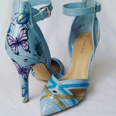 How awesome are these butterfly patent hand painted shoes! Blue Wedding, Wedding Shoes, Alternative Wedding Inspiration, Occasion Shoes, Hand Painted Shoes, Crafts To Make And Sell, Unique Shoes, Latest Shoes, Something Blue