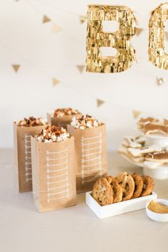 Super Bowl Party snacks: http://www.stylemepretty.com/living/2015/01/28/spicy-caramel-bacon-popcorn/ | Photography: Ruth Eileen - http://rutheileenphotography.com/