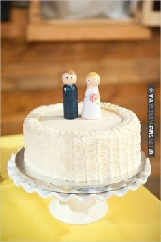 cute wedding cake toppers | CHECK OUT MORE IDEAS AT WEDDINGPINS.NET | #weddingcakes