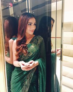 Humaima wears her own vintage sari to the PCB event! Hair and make up by @akifilyasofficial