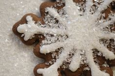 Gingerbread Snowflakes | Cupcakes & Cashmere