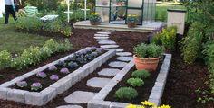 Trakkheller drivhus Side Yard Landscaping, Outdoor Living, Outdoor Decor, Beautiful Gardens, Stepping Stones, Cottage, Landscape, Plants, African