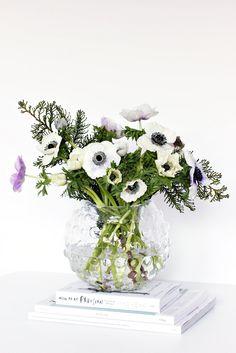 We love this fresh look. Pottery Barn | Anemone | Home Decor | Fresh Flowers | Galleria Dallas