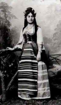 Kraljica Draga u narodnoj nosnji - Queen Draga of Serbia in the national costume