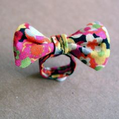 Bow Tie Ring flowers size 6 by robayre on Etsy