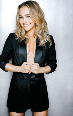 One of the sexiest American TV actress Hayden Panettiere Pictures shows that she is an ultimate bombshell. She has been in Hollywood for over 20 years and still loved by her fans. Hayden Panettiere has been Hayden Panettiere, Girl Celebrities, Celebs, Jennifer Aniston, American Actress, Gorgeous Women, Beautiful Person, Actresses, Lady