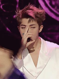 Rap Monster has incredible hands..  I wonder if any of these guys have been told that before, how dead sexy their hands are.. they'd probably think it was odd...   why hands?