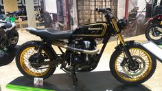 Kawasaki W 650 #intermot #kawasaki #w650 #w800 #scrambler #caferacercult #crc