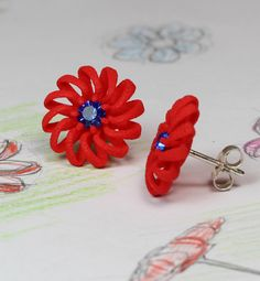 Red Flower Stud Earrings with blue glas crystal. All designs befinns with drawing. It's just wonderful to see the finished earrings. #redstuds #redearrings #redflower #redblue #redsilver #studearrings #rot #roteohrringe #ohrstecker #redbridal #redwedding #flowerearrings #flowerjewelry #3dprinting #3ddruck #etsyseller #etsyde #madeingermany #unseretsy