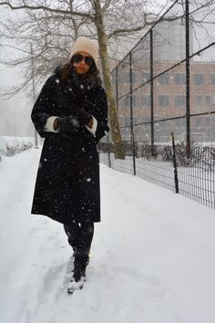 Vintage black coat with dav rainboots styled for the winter looks / blogger PrettyProperQuaint