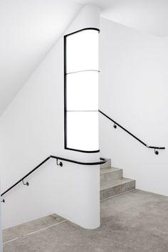 patrickschierer: Ravensburg Art Museum by Lederer Ragnarsdottir. But I'm looking at that light. (via TumbleOn)