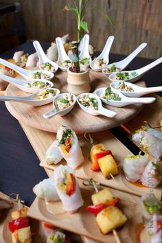 asian food station event inspiration food themes asian wedding food appetizers, why it is not the best time for asian wedding food appetizers Think Food, Love Food, Mezze, Sushi Party, Food Stations, Appetisers, Antipasto, Dessert Bars, Food Design