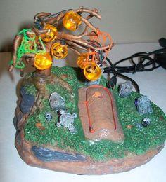 Lemax Spooky Town Lighted Motion Graveyard Casket Skeleton Retired Battery Oper