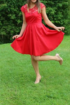 Voir rouge (Robe Ava Victory Pattern)
