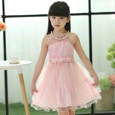 Vestidos De Fiesta Para Niña De 5 Años. Actualmentela moda infantil, está tomando un nivel muy importante en el mundo del diseño, porque ahora no son solo las mujeres y hombres sino también las