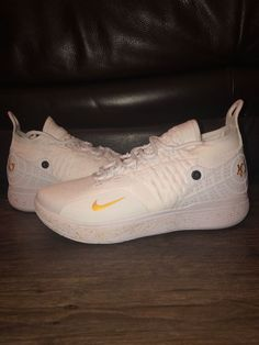 new styles 40ef6 c353c Menss Nike Zoom KD11 Custom Basketball Shoes White and Gold Size 9.5   fashion  clothing