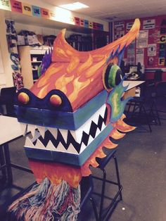 Cardboard dragon by HF school Dragon Dance, Dragon Boat, Nouvel An Chinois Diy, Chinese Party, Chinese Food, Dragon Project, Chinese New Year Dragon, Dragon Mask, Chinese New Year Crafts